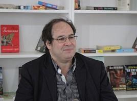 Встреча с главным редактором «Литературной газеты», поэтом Максимом Замшевым пройдет во Дворце книги