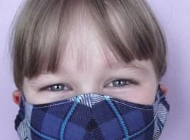 В креативном пространстве «Третье место» (Тереньга) изготавливают многоразовые маски